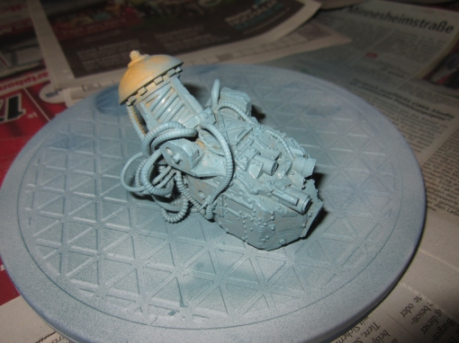 A different base colour. I wanted the machine to look cobbled together.